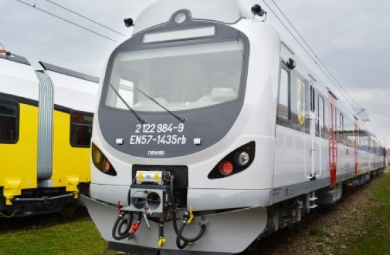 The first modernised EN57 trains already in Pomorze