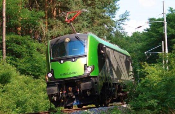 NEWAG's made GRIFFIN Locomotive double winner of DOBRY WZÓR 2016 Contest
