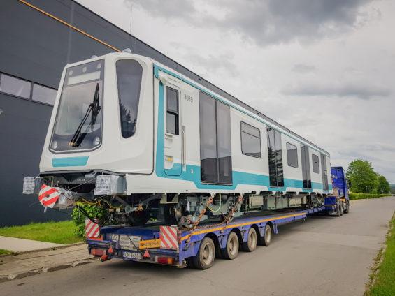Dwudziesty pojazd metra w drodze do Sofii
