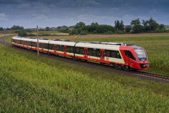 Rozpoczęto testy nowych pociągów Szybkiej Kolei Miejskiej